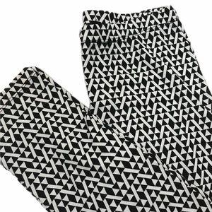 Pants - NWOT Women's Capri Black/White Leggings Sz Medium
